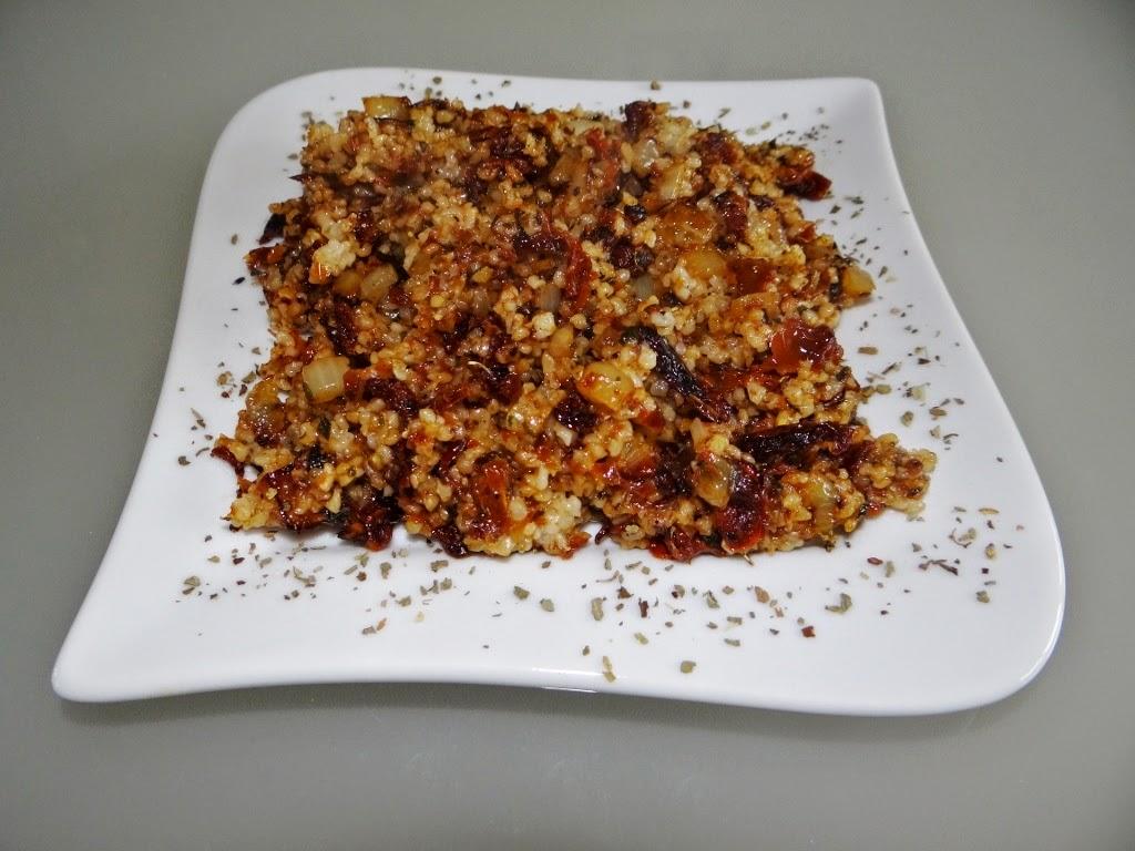 Kasza jęczmienna z suszonymi pomidorami