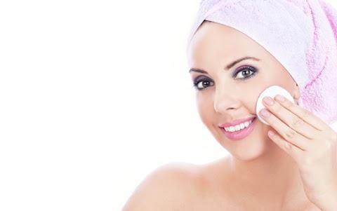 Preparando a pele para receber a maquiagem