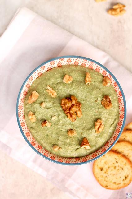 Hummus con espinacas y nueces