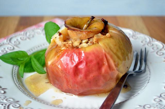 pieczone-jab%25C5%2582ka1 Pieczone jabłka z orzechami i miodem