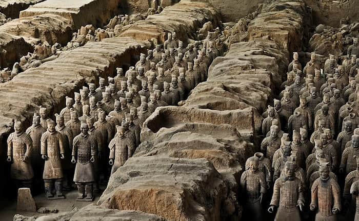 Terracotta Warrior Mausoleum: Where the 2200-year-old Chinese Empire is Buried | The Discovered Army Of Terracotta Soldiers Who Were Once Buried Underground