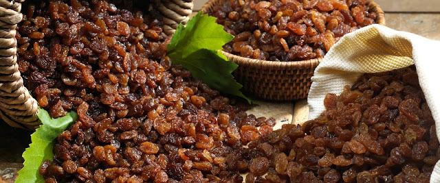 What is the difference between a current, a raisin and a sultana.