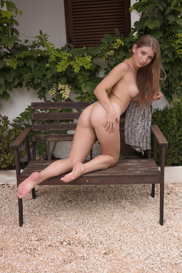 6842997423 [Sex-Art] Briana - Benched re sex-art 0414