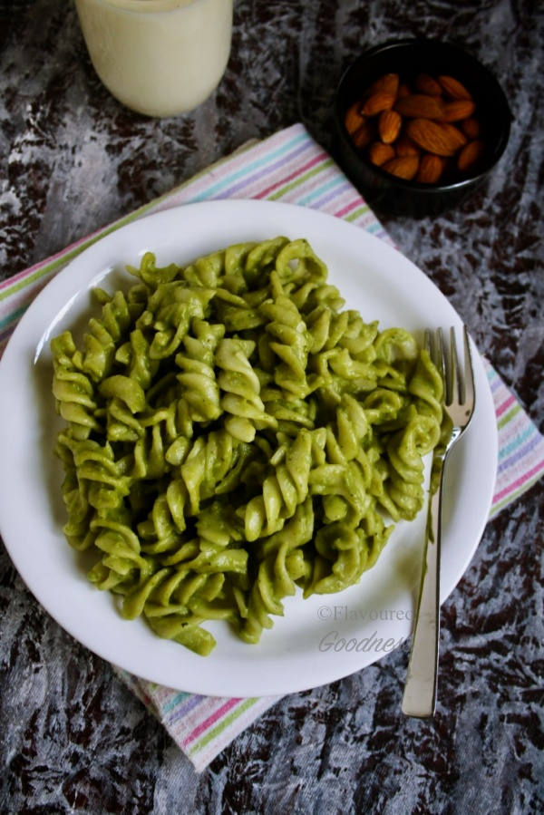 Palak Pasta Recipe | Spinach Pasta Recipe