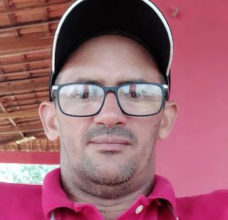 Homem é morto a tiros quando estava sentada na calçada da lanchonete do filho em Baraúna, RN