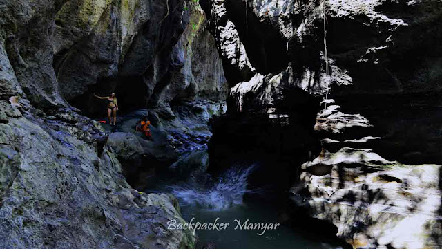Jumping di Hidden Canyon Beji Guwang Bali