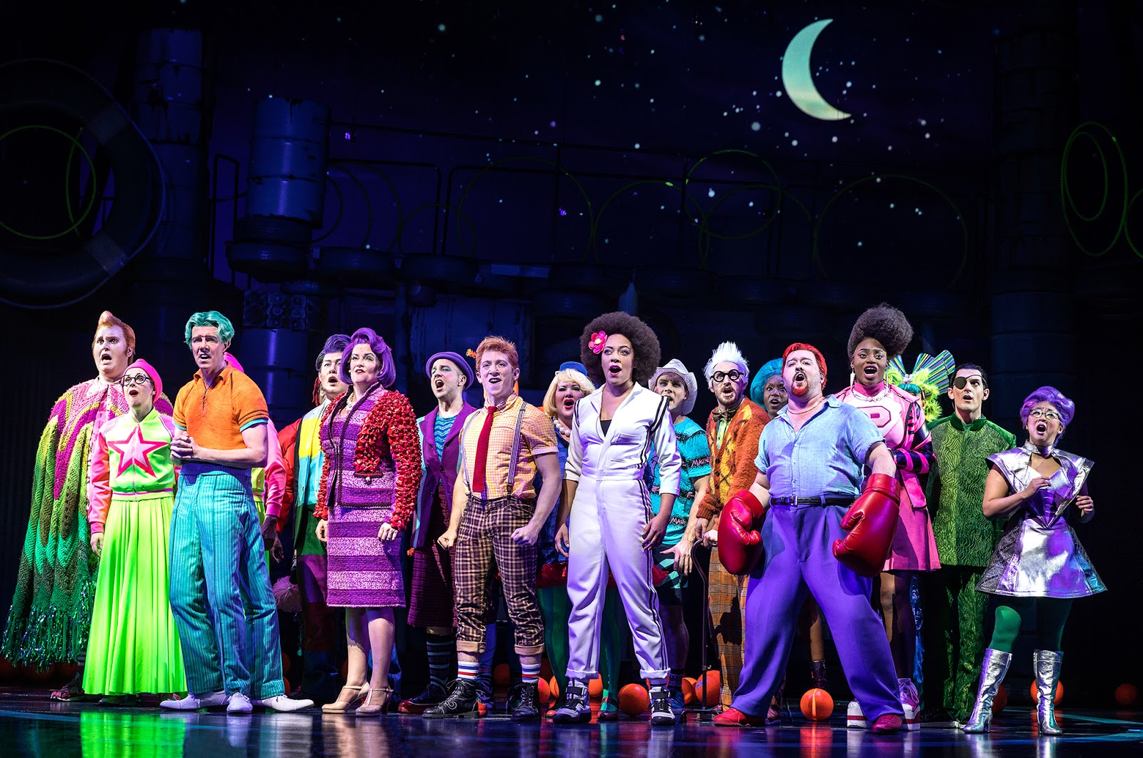 Nickalive visit a pineapple under the sea in new for The broadway