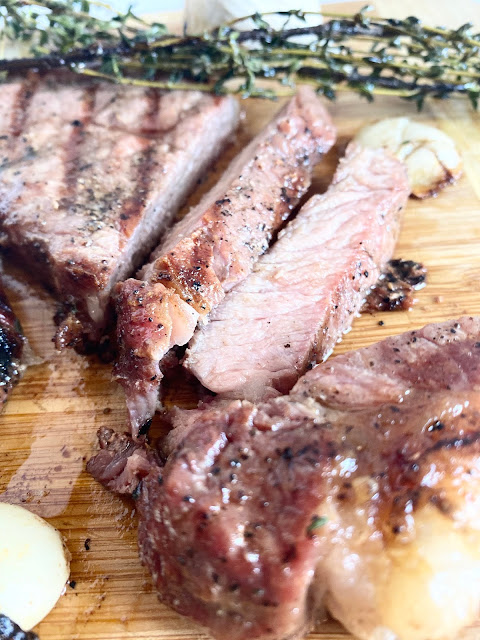Garlic & Thyme Butter Steaks. #ad #unitedwesteak #iowabeef