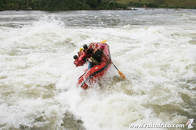 Rapid no. 4 – The Bad Place; the White Nile, Uganda