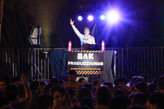 Noche de pinchadiscos en las fiestas de Barakaldo