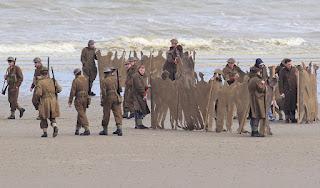 Soldados en la playa - película Dunkerque