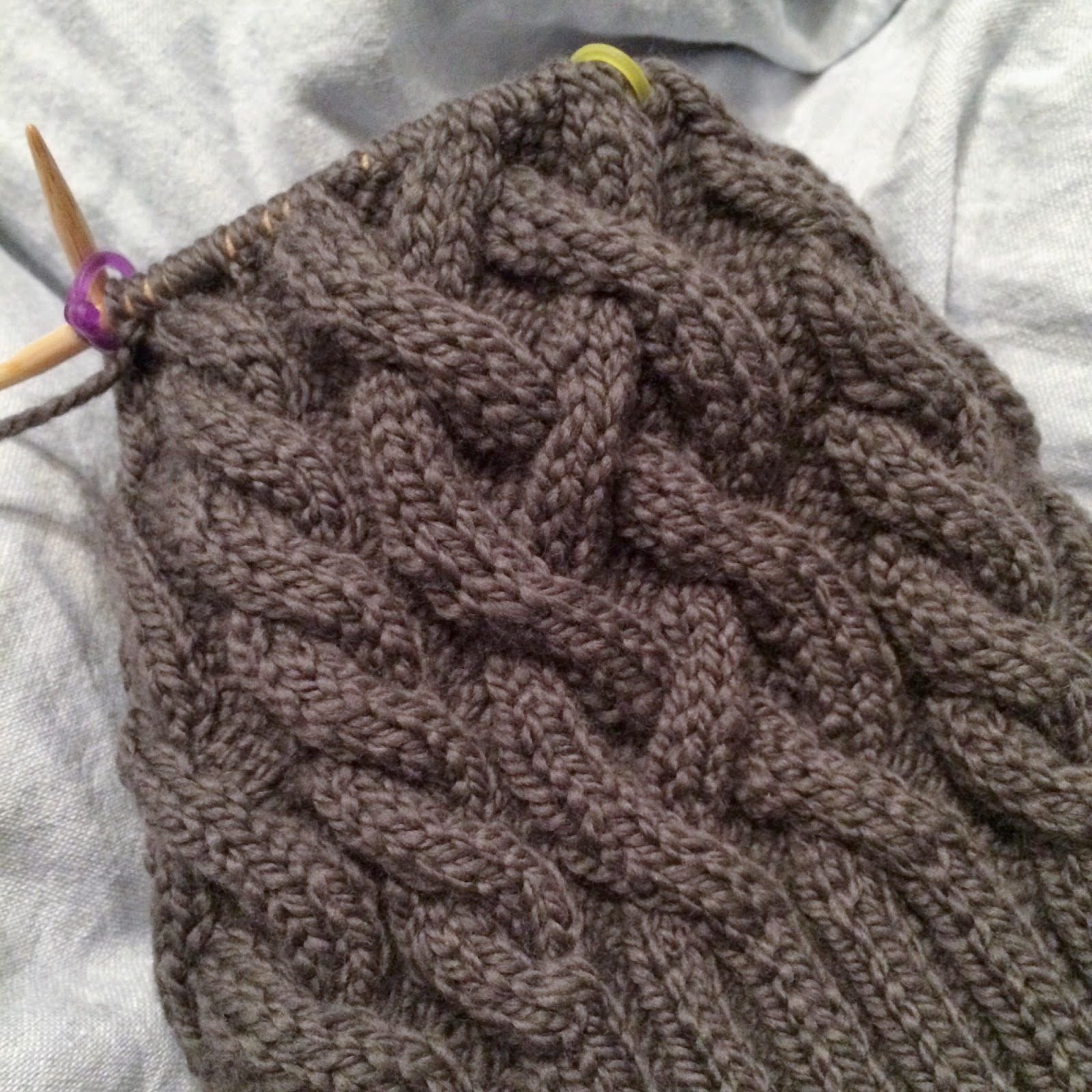 4042f75154a anna knits - traveling cable hat