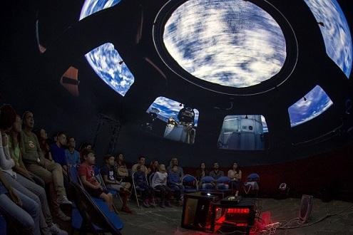 Το φορητό ψηφιακό πλανητάριο στο 5ο Δημοτικό Σχολείο Ναυπλίου