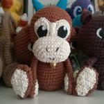 http://www.ravelry.com/patterns/library/haruko-the-little-monkey