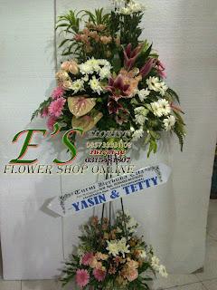 rangkaian bunga standing flower susun turut berduka cita