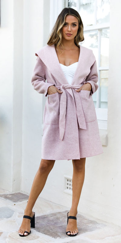 Do you like comfortable & cozy dress outfits? See these 29 Best Casual Dressy Outfits to Look Fantastic. Women's Style + Fashion via higiggle.com #fashion #dress #casualoutfits #style