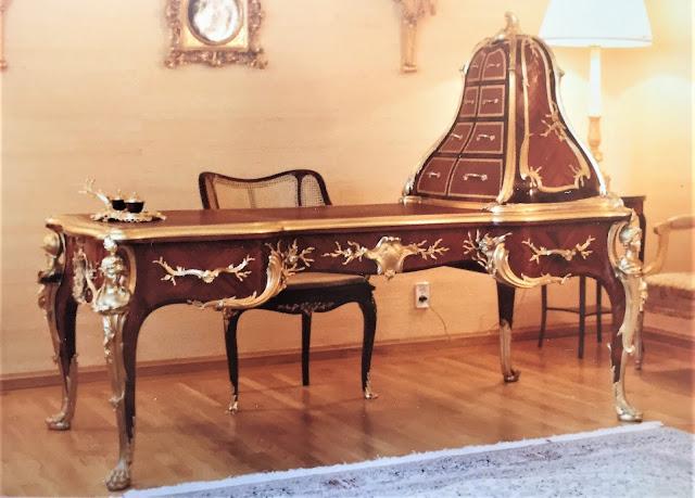 Fellowship of Friends cult leader Robert Earl Burton's Louis XV writing desk