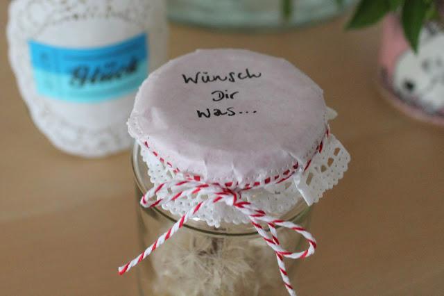 Wuensch Dir was DIY Wunschglaeser Glueck im Glas Pusteblumen Wuensche Geschenkidee Jules kleines Freudenhaus