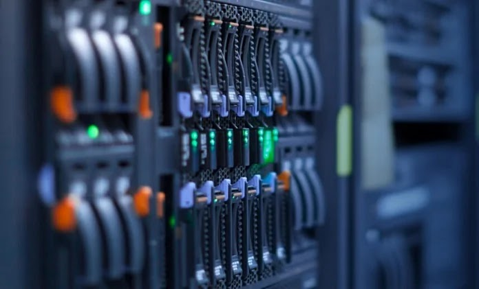 Difference Between VPS Hosting And Cloud Hosting