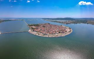 Η νερένια πόλη στην καρδιά μιας λιμνοθάλασσας