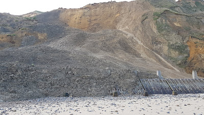 Cliff fall trimmingham beach on January 26th, 2020, image 5