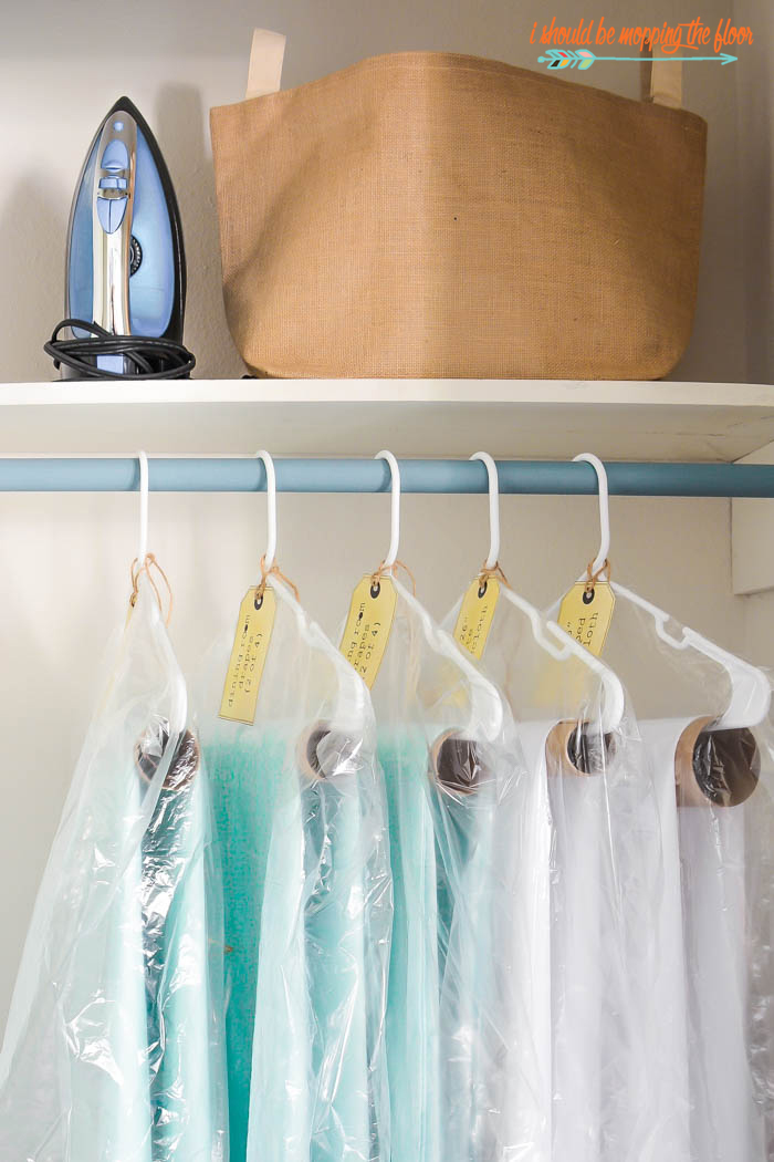 How to Store Linens | Put away seasonal linens so they're ready to go when you need them again next year. Includes free printable labels.