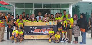 Wawako Jambi Secara Resmi Melepas Atlet Sepatu Roda SRS Mengikuti Pertandingan Antar Klub Secara Nasional Dan Memperebutkan Piala Bupati Bekasi.