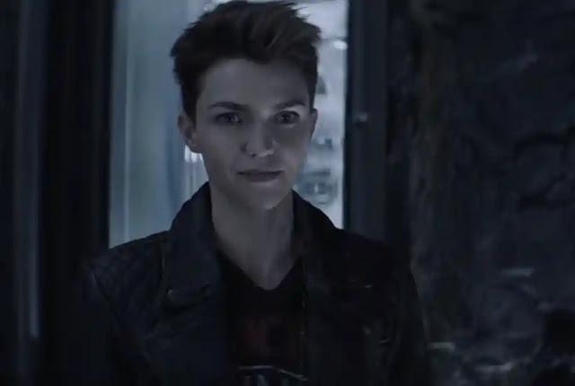 Ruby Rose como Batwoman na série do CW
