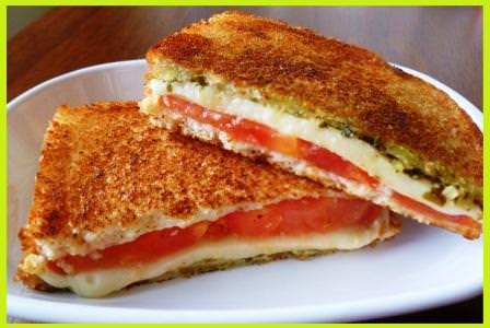 पेन में बनाएं चीज टोमैटो सैंडविच - Tomato Cheese Sandwich Indian