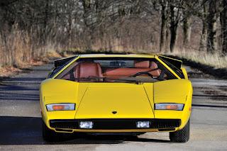 Lamborghini Countach LP400 Periscopio Front
