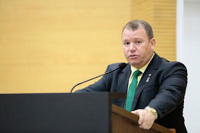 Dr. Neidson convida para reunião com o governador, para tratar do Hospital do Amor