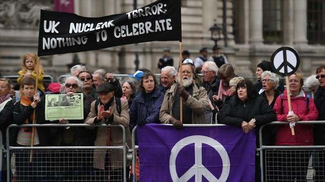 Programa nuclear naval británico genera protestas en Londres
