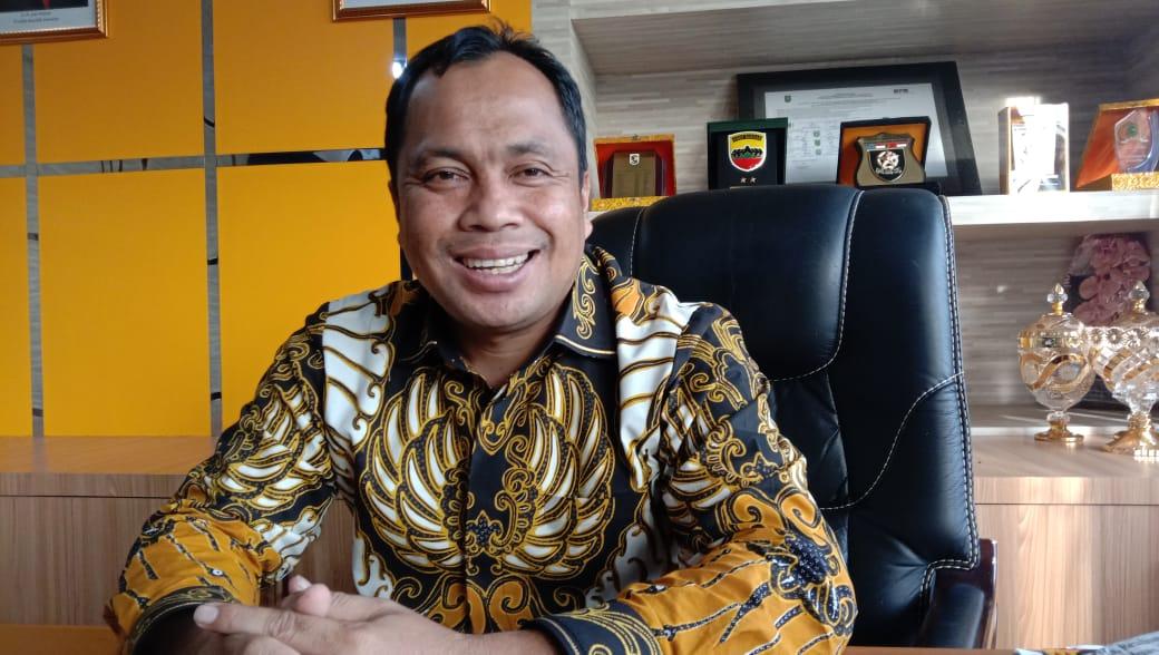 Ketua DPRD Pelalawan Desak Instansi Terkait Menindak Tegas Truk Tronton Pengangkut Tanah Timbunan di SP 6