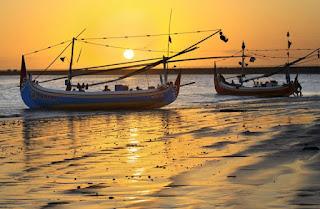 http://www.teluklove.com/2017/02/destinasti-objek-wisata-pantai-kedongan.html