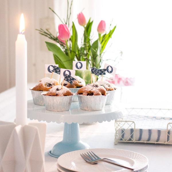 Frühstück mit Blaubeermuffins