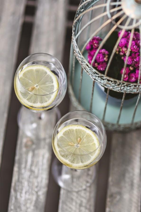 Z czym pić wodę żeby schudnąć cytryną
