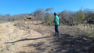Em Picuí, administração municipal continua recuperando estradas na zona rural do município