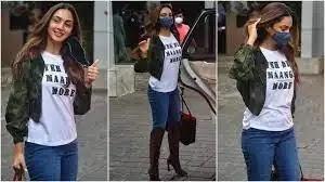 Kiara Advani looks stylish in denim pants and T-shirt