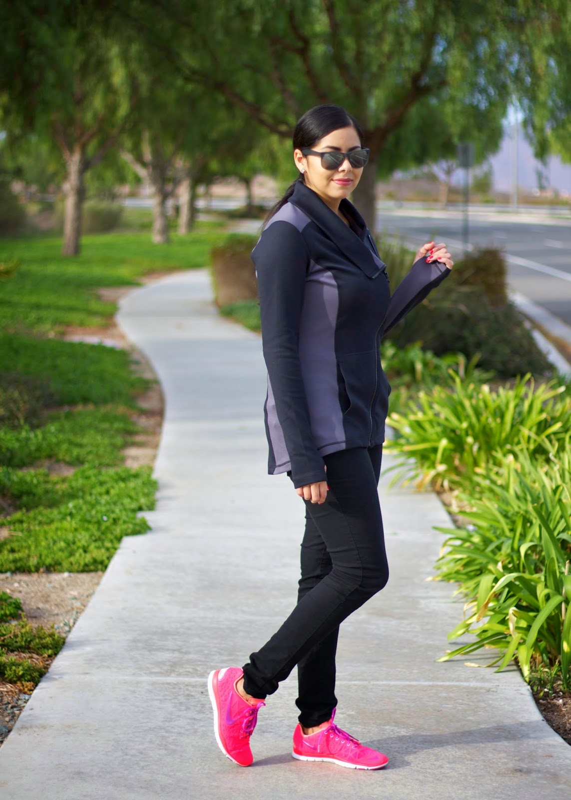 Fashionable athletic wear, gym fashion, casual gym fashion, fashionable casual outfit, Disneyland outfit