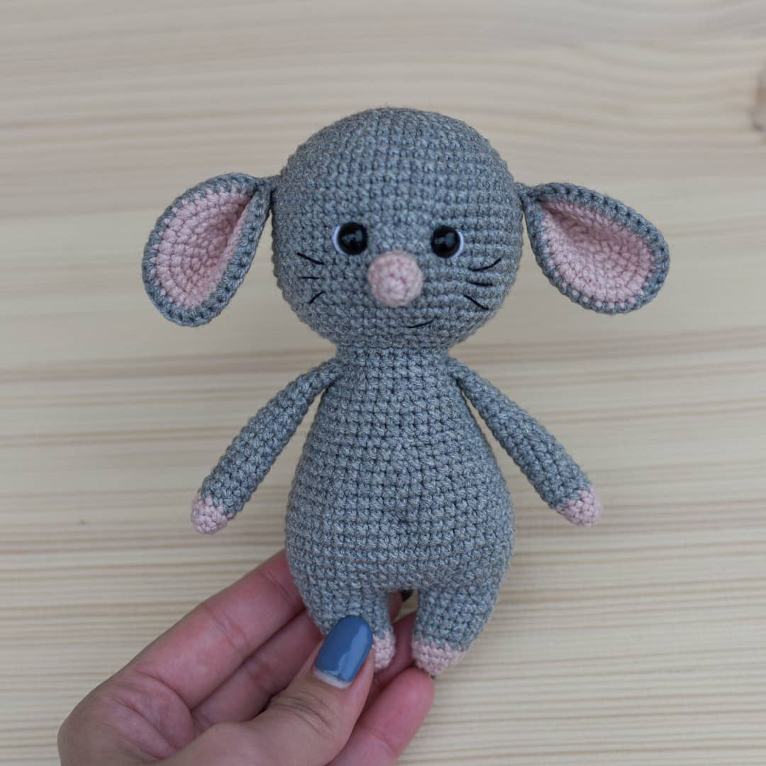 Ravelry: Easy Peasy Catnip Mouse Toy pattern by Meelai | 1080x1080