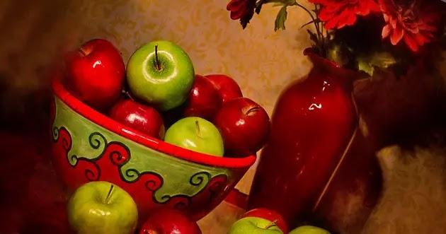 تفاح أصفر وتفاح أحمر