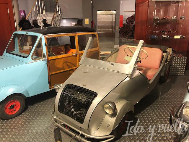 Museo de Historia de la Automoción coches casi a pedales