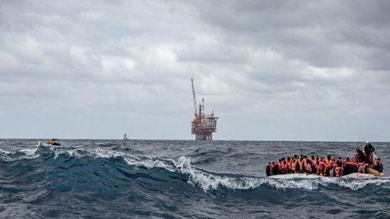 إنقاذ 12 شخصا من الغرق أثناء محاولتهم الهجرة سرا من فرنسا إلى بريطانيا