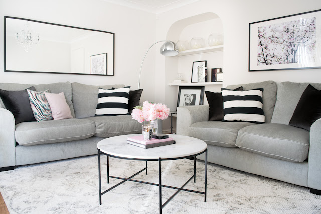 monochrome styling in this beautiful living room