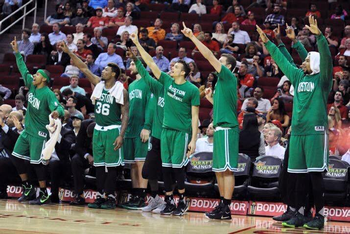 Isaiah Thomas - Marcus Smart - Tyler Zeller - R.J. Hunter - David Lee - Jared Sullinger, membres des Boston Celtics