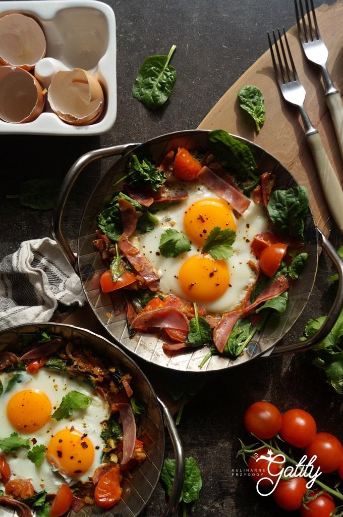 sadzone-jajka-na-patelni
