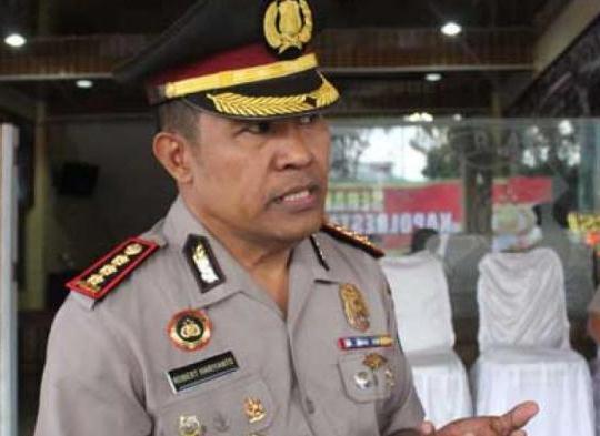 Keluarga Besar Kombes Pol Robert, Peduli Mahasiswa (i) Asal Malaku Utara Akibat Dampak Covid 19 di Makassar