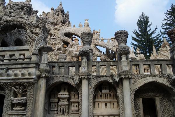 drôme hauterives palais idéal facteur cheval détail façade ouest