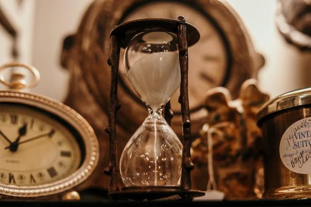 vrijeme leti, time passing, bojim se vremena, vrijeme, čekanje, stalno neštp čekamo, blog, blogpost, whatsupivy čekanje, bloganje, vrijeme je relativno, vrijeme brzo prolazi, život, život brzo ide, prolaznost