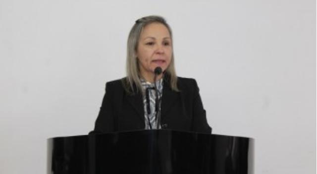 Em Delmiro Gouveia, Vereadora Fabíola faz duras críticas à administração municipal